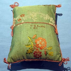 CRS, embroidered cushion (tx00068).jpg