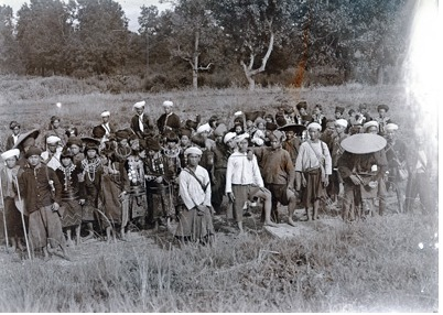 Kachin men and women facing camera (Graphlex) 1921