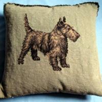 Margaret Lynch Suckley Fala pillow (03325)